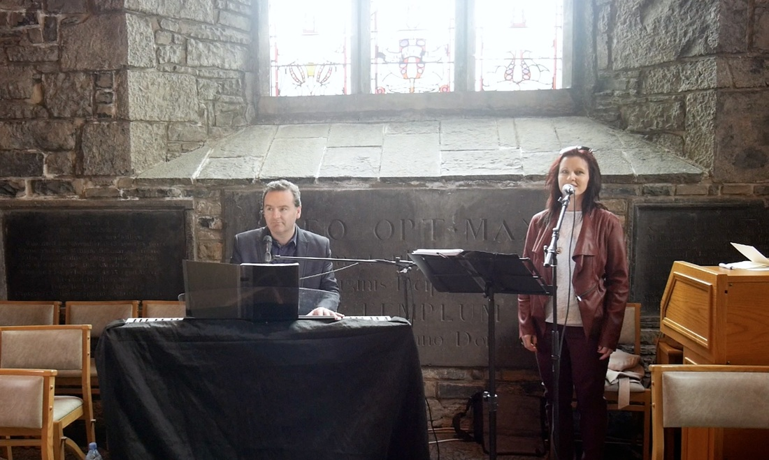 Picture of Sean De Burca & Norrie Keane singing at multyfarnham Priory