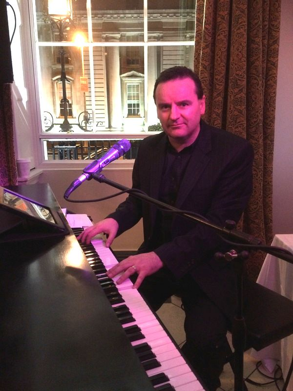 Dublin Wedding Singer, The Merrion Hotel