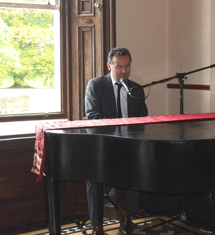 Mount Falcon Estate, sean de burca plays piano at wedding ceremony